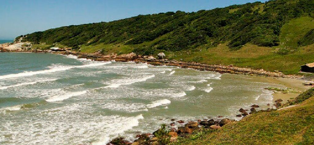 Roteiro de 6 praias brasileiras