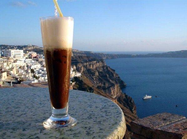 cappuccino freddo em Atenas